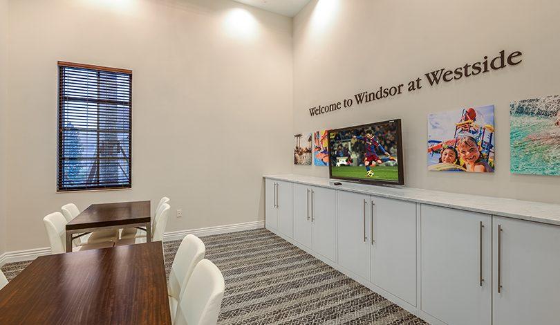 Sala de TV no Resort Windsor at Westside